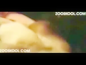 Zooskool - Harrie - Laying with Harrie